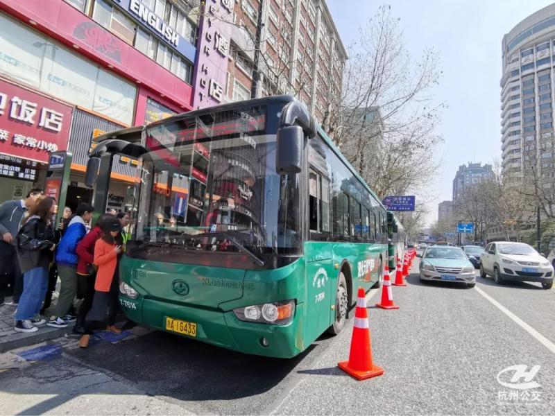你未曾见过的公交车!杭州公交的70年,一座城市的70年!