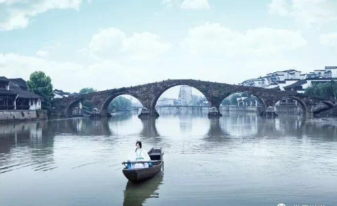 被誉为江南十大古镇之首的这一杭州古镇,你去过吗?图2