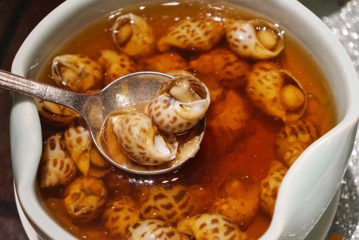精致的杭州龙井虾仁,有龙井茶的香气!