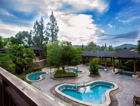 杭州周边十大著名温泉度假村,泡温泉去哪里好?