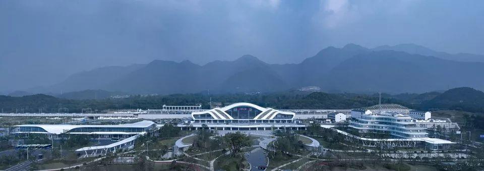 新作 | 杭州桐庐高铁站,重塑富春山水 / 绿城十维图2