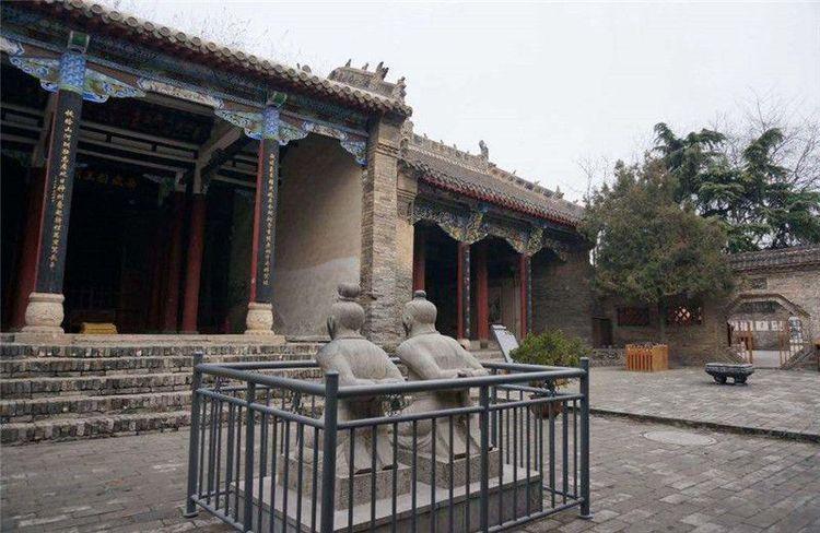 杭州岳王庙,最让人唾弃的景点,历经800年声讨