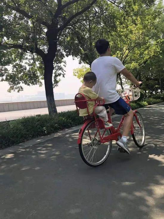 """杭州2000辆新款""""亲子小红车""""全部上线,想要借车多半凭运气!"""