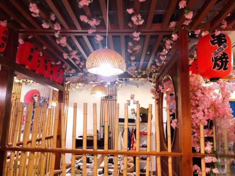 来樱·千喜日料,感受日式舌尖风情,聆听樱花下的轻语