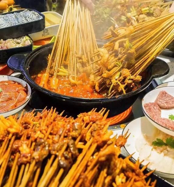 专注串串香30年的小郡肝串串,在杭州也能吃到啦图1