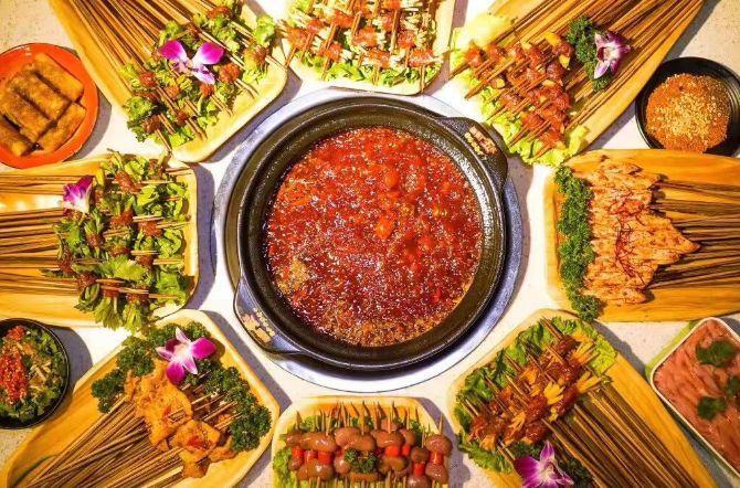 专注串串香30年的小郡肝串串,在杭州也能吃到啦