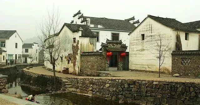 杭州这座古镇,据传是三国孙权的故里,江南最大的古村落!