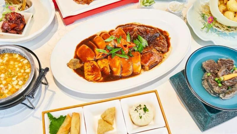 火了30年的超精致杭邦餐厅入驻西湖边,200㎡超大露台带你俯瞰市中心!