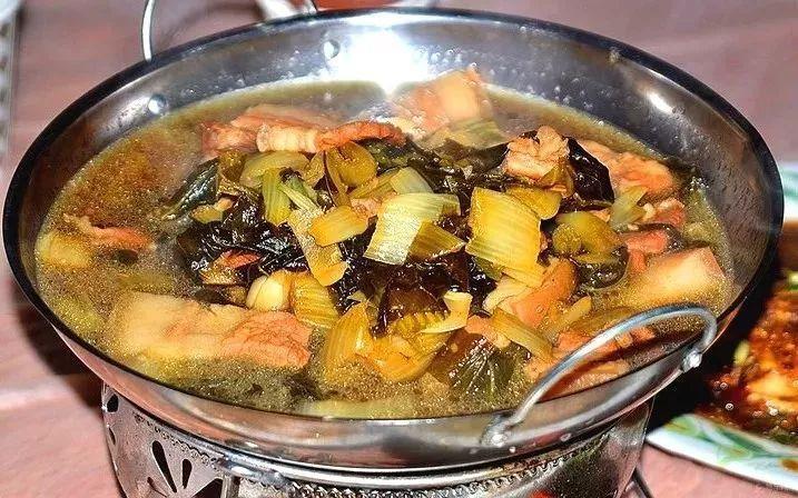 杭州人过年必备的冬腌菜竟然是用脚踩出来的~