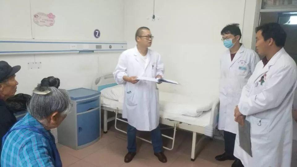 43岁的杭州医生张超倒在了扶贫一线...行李都收拾好了,却没有赶上回家的列车...