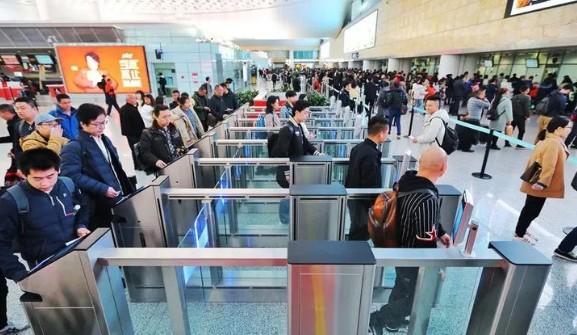 """杭州机场和火车站""""新员工""""上岗!回家更快了!图1"""