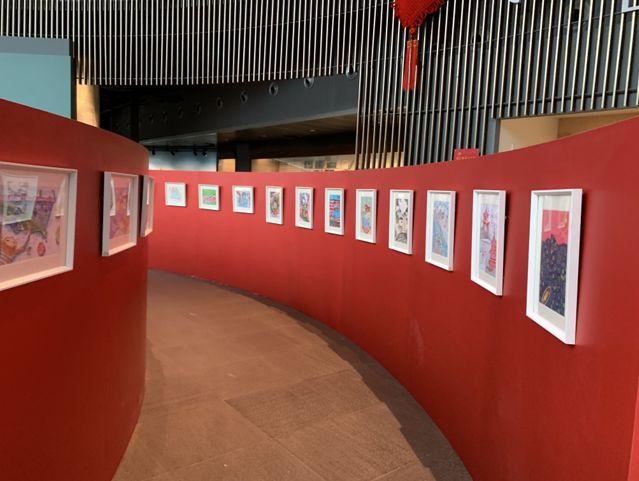 1.5米明信片艺术展亮相西博馆,用孩子的视角看西湖!图2