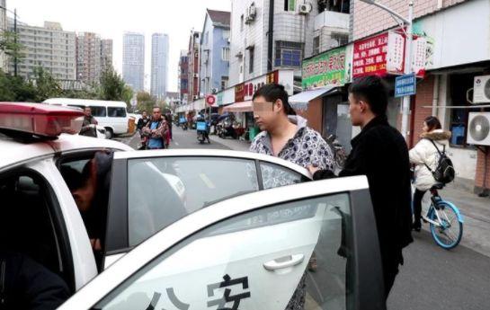 杭州车主请注意:变道刮擦故意碰瓷,遇到这种人一定要报警!