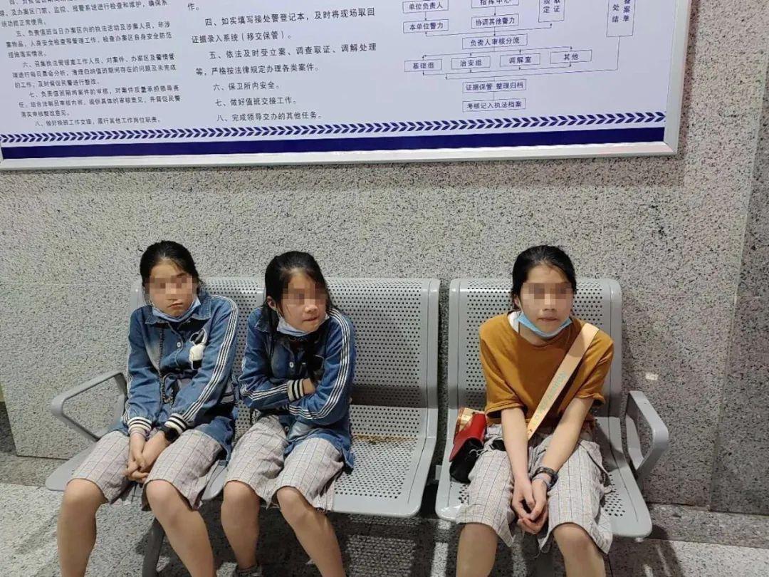 浙江三胞胎集体出走,临走留下一张纸条!爸爸看了很心酸…