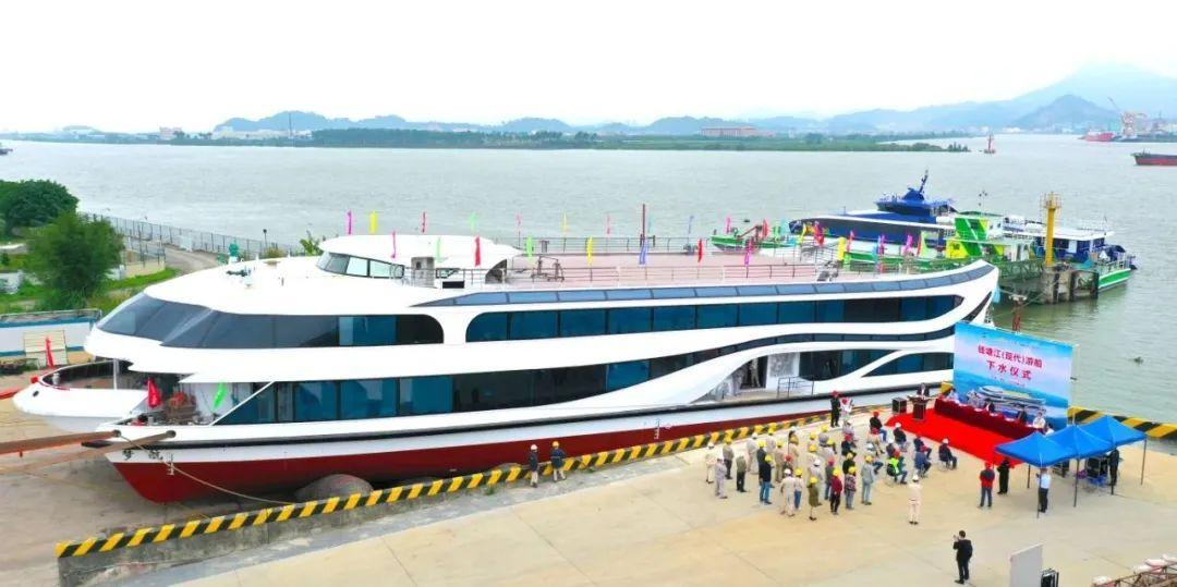 全新、双体、三层豪华游船即将航行在钱塘江上!沿途美景不容错过!