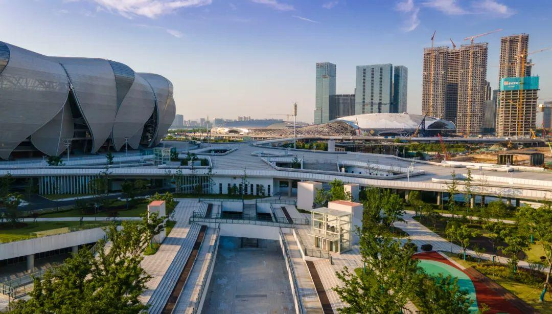 钱塘江南岸多了一处地标建筑!杭州最大的地下城藏在这里!