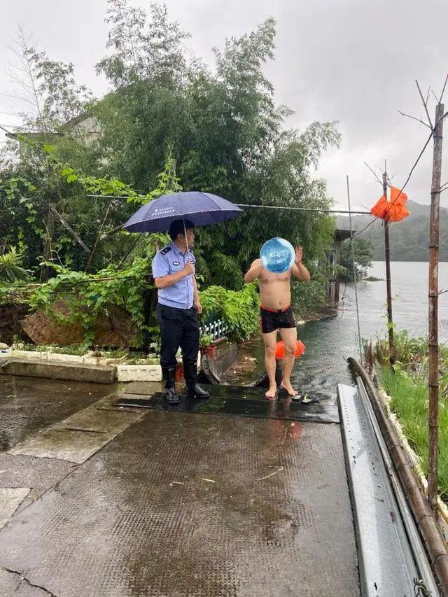 今早6点洪峰到达钱塘江(滨江段),最高水位7.43米!这些谣言千万别信!