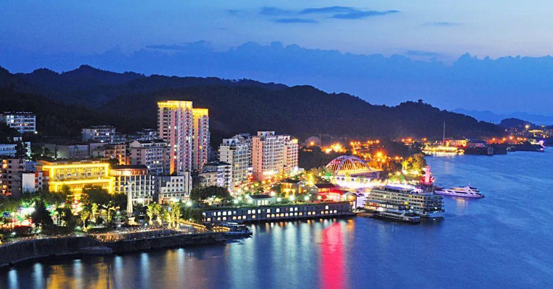 杭州首个仲夏夜嘉年华启幕!今年将打造100个夜生活网红打卡地!