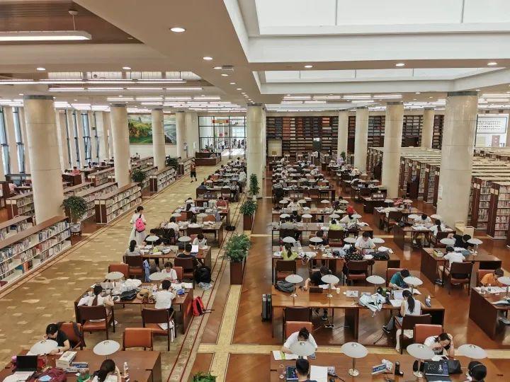 杭州图书馆座位增加到1600个,开放时间也延长了!