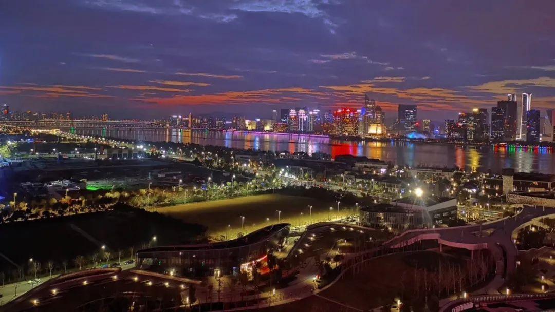 今天,钱江市集开市,场面超级大,速来围观~
