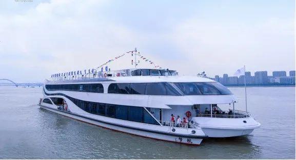 惊喜!钱塘江迎来第一艘现代风格高端游船!国庆惊艳亮相图2