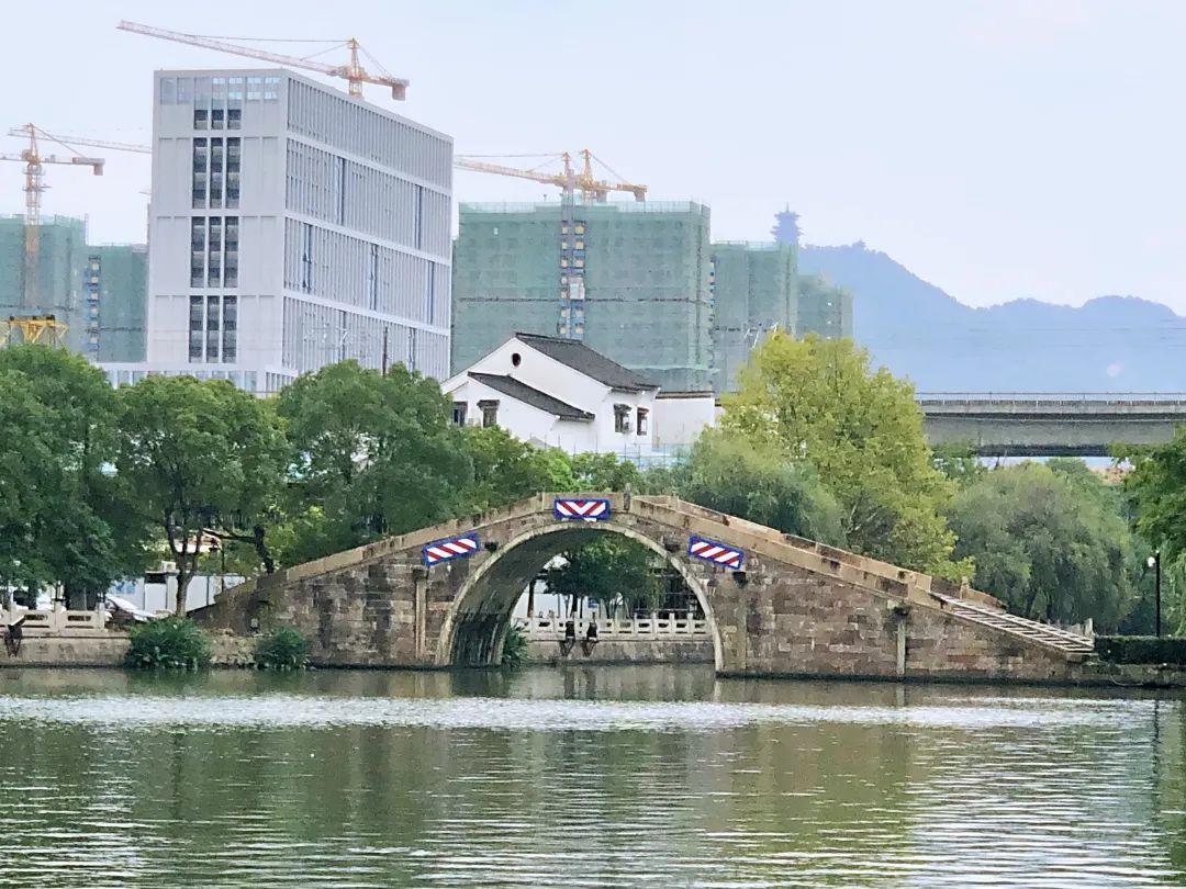 """绵延超10000米!杭州这个依河而建的""""风情小镇""""计划年底完工!"""