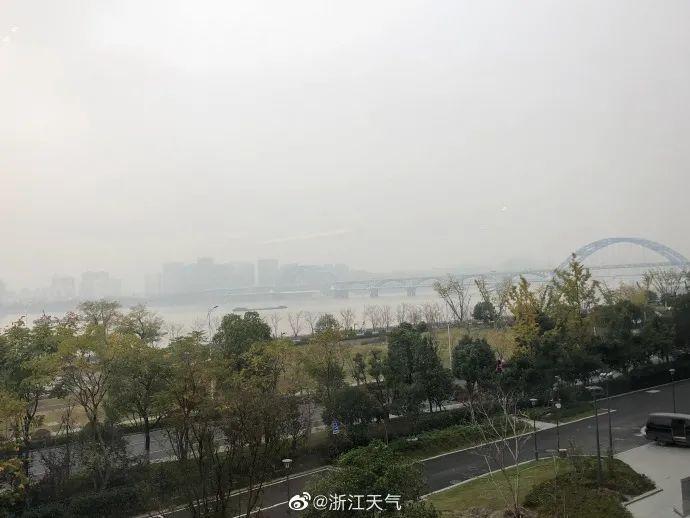 """这两天杭州都将""""仙雾缭绕"""",但并不是霾!关键是,冷空气要动真格了!"""