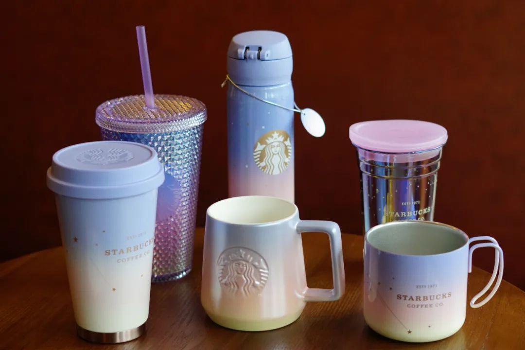 星巴克圣诞季来咯!不同系列圣诞季限量杯子,赶紧来康康有哪些你喜欢的杯子吧~
