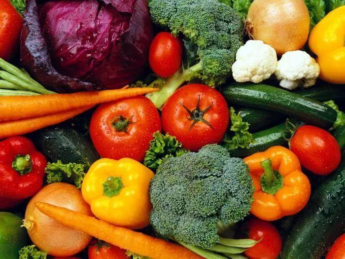 """如何科学选购绿色食品守护""""舌尖上的安全""""?"""