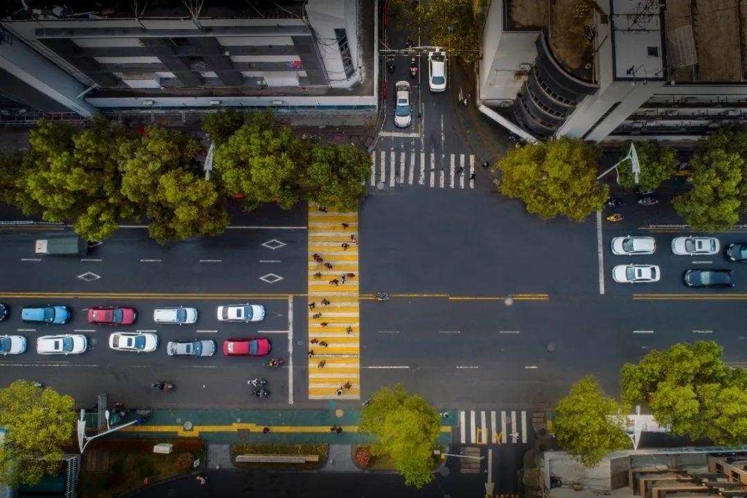 让智慧城市更聪明更暖心!人民日报点赞杭州!