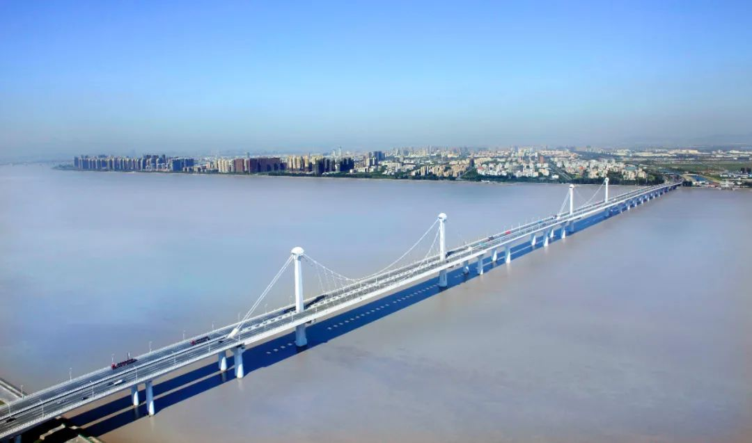 杭州钱塘新区计划新建江东大桥过江慢行系统,进一步提高现有慢行道通行能力!